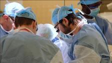 Un soldado herido en Afganistán recibe el primer trasplante de pene y escroto