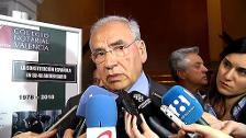 Alfonso Guerra critica la diferencia de criterio de Montoro con el resto del Gobierno y los jueces