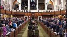 Minuto de silencio en el Parlamento canadiense por las 10 víctimas del atropello masivo de Toronto