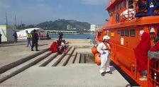 Llegada al puerto de Málaga de 80 inmigrantes rescatados de dos pateras en el Mar de Alborán