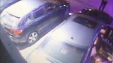 Imágenes de las cámaras de seguridad de la discoteca en las que se ve a Agnese Klavina montándose en un vehículo