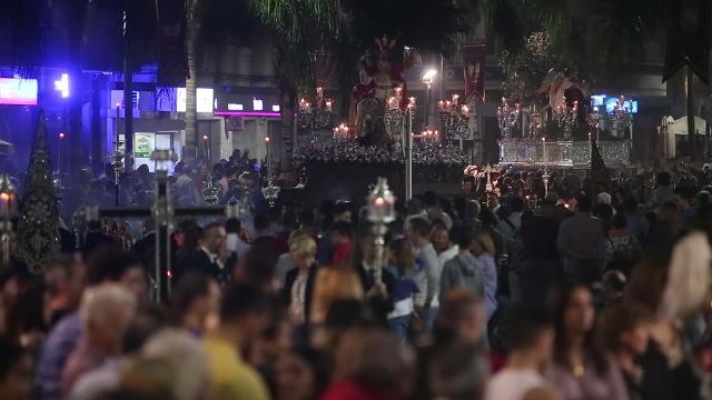 Motril celebra su magna procesión ante miles de personas